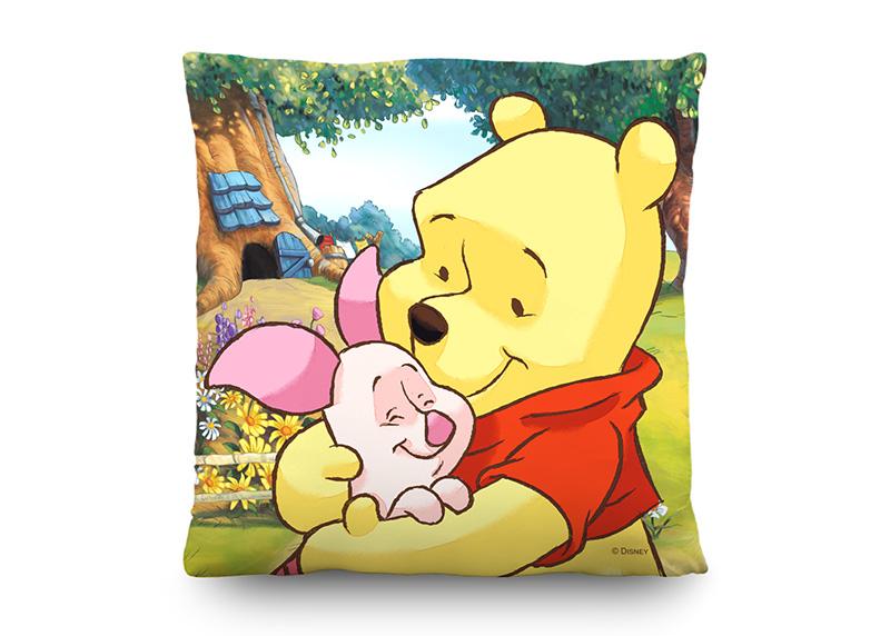 Medvídek Pú na louce, Disney, dekorativní polštář AG Design, 40 x 40 cm, do dětského pokoje, CND 3119